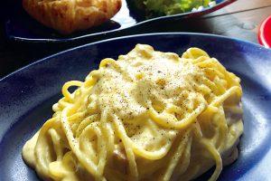 パルメザンチーズの カルボナーラ